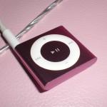 「iPodシャッフル」ピンク♪このシンプル形状、いまだに謎が多い