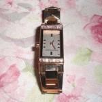 強い女性になりたくて。ピンクゴールドの腕時計インディペンデント