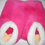 ピンクの足温器を女性の冷え性対策に♪ただちょっぴり問題が・・・。