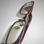 ピンクのメガネフレームが売り切れだったので、自分で色塗りしてみる