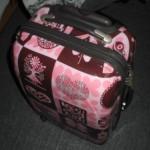 ピンクのキャリーケースで旅支度♪愛用歴10年のポリカー製