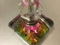 """上から見るとピンク・・・!""""光のプリズム""""ロマンチック香水瓶"""
